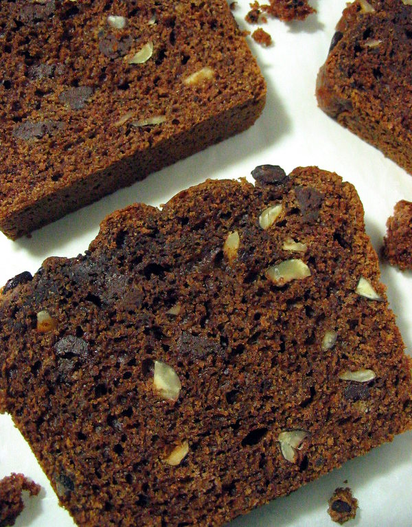 Hazelnut chocolate chip quick bread - packed with chocolate chips and hazelnut chunks in every bite - yum!