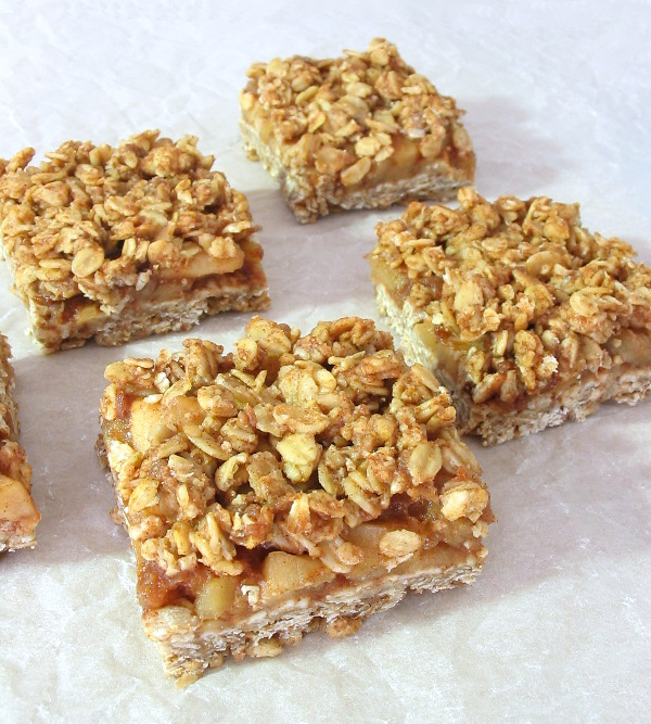 Cinnamon Apple Streusel Bars - sticky sweet apple and a brown sugar streusel topping.
