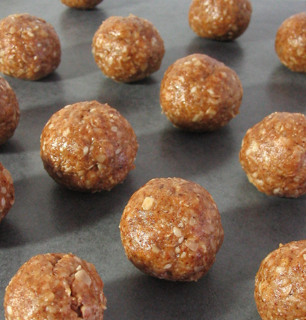 Coffee and Walnut No-Bake Energy Bites - These delicious fudgy bites make a perfect healthy snack.