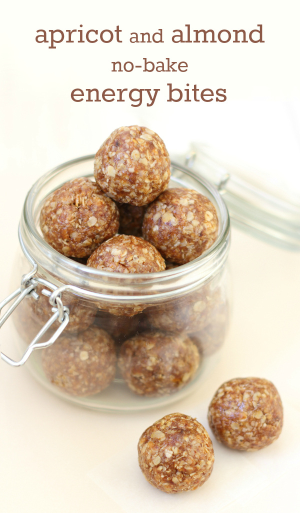 Apricot & Almond No-Bake Energy Bites Recipe - Naturally sweetened, and made in minutes for a fruity, filling, healthy snack! | sliceofkitchenlife.com
