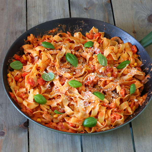 Spicy Chorizo and Red Pepper Pasta Recipe - Creamy, cheesy and packed full of veggies, this pasta dish is warming, comforting and oh so tasty!