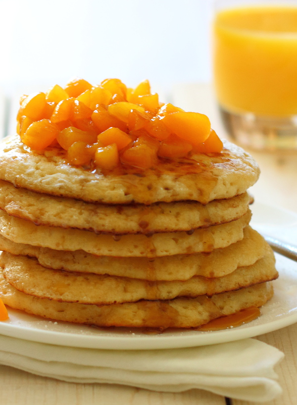 Super Simple Fluffy Pancakes Recipe - Everyone needs a reliable, great tasting pancake recipe in their repertoire. This is mine. | sliceofkitchenlife.com